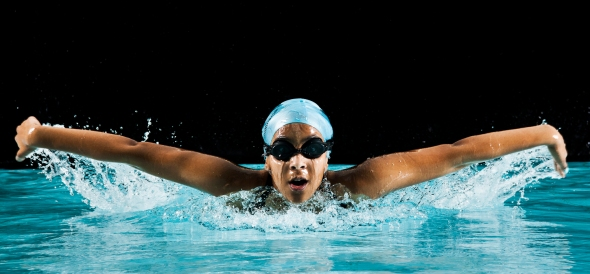 Swimmer coming to camera